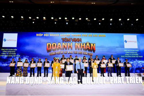 TPHCM - Lễ tôn vinh doanh nghiệp, doanh nhân tiêu biểu 2020