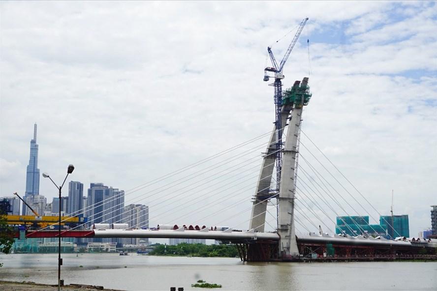 Cầu Thủ Thiêm 2 thi công trở lại, hẹn nối nhịp cuối năm nay